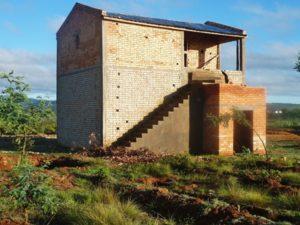 Abri alambic et logement de fonction