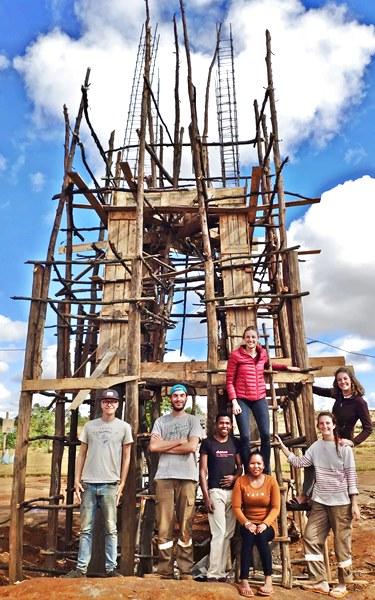 Château d'eau Kélilalina construit par jeunes INSA Strasbourg