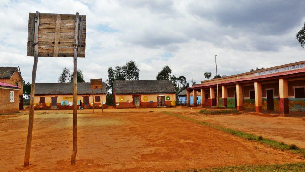 Ecole Ambatolampikely
